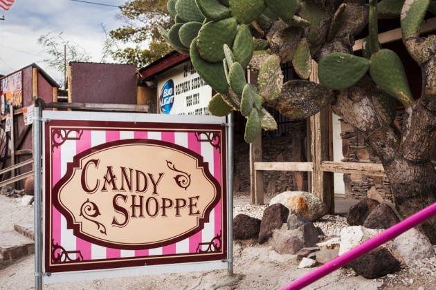 candy-shop-sign-8855